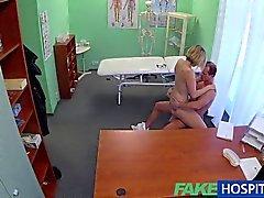 FakeHospital - tesão de MILF devora o seu cum