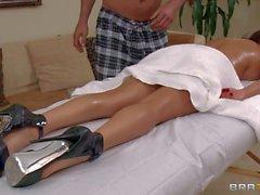 Di MILF Diamante Foxxx occupa Massaggi in nudo