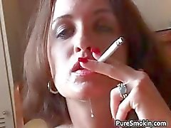Spears Raggi Smoking del sesso orale steamy