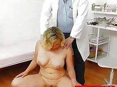Tetas naturales a Kathy No Te ginecológicos examen