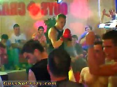 schiavo maschio nuda nel del cinema gaio di festa di una azzimato Dan che ha colpisce