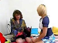 Les lesbiennes de Russie en Strapon