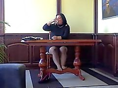 Latinan kiiltävä pantyhose lesbot