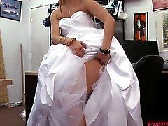 Baby Figuren ihrem Hochzeitskleid dann freches Pfandgegenstand Junge gebumst