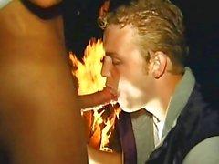 Romantik gece tutku ile gay oral seks oturumuna dönüşüyor