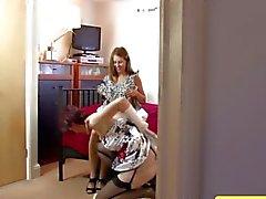 Пожилые Brit лесбиянка сосания киску и не может получить достаточно много