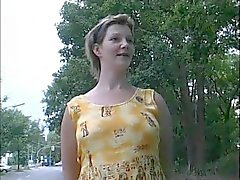 Gravid hemmafru hakade upp från gatan - TYSKA