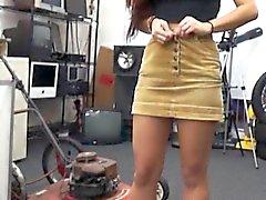 Sexy da dança da faculdade Menina de volta e bateu na de penhores