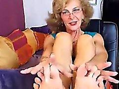 Sexy GILF Füße im Gesicht CAM NO SOUND