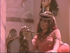 Древнеегипетская 3some при Cindy Карвером и Джой Cummings