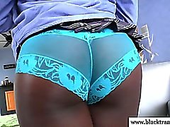 Nubian tgirl dildofucking her tight ass