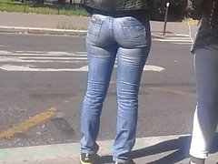Young black woman in tight Jeans very sexy