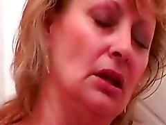 Granny mature babe getting her pussy didlo fucked