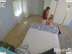 NannySpy Esibizionisti tata Lena Paolo catturato e scopa per mantenere posti di lavoro