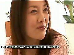 Daha Uzuki saf bir busty Geleneksel Çince hatun emzikler yaladı ile öpüyor olur
