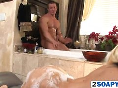 I Madison murgrönaen Soapy massage Handjob Blowjob Stora bröst