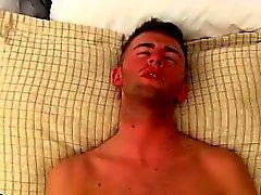 Filmato Gay delle Innanzi tutto , è carino , ha una culo bene magro