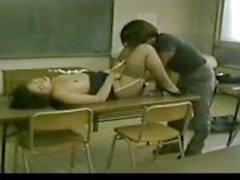 Professor e estudante japonês ter um caso secreto