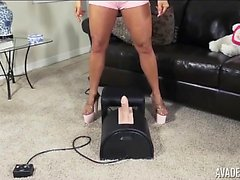 Huge mes Aval Devine knullar Sybian