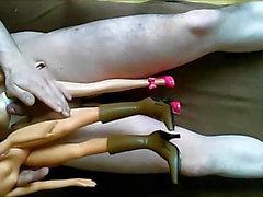Barbie vs Bratz