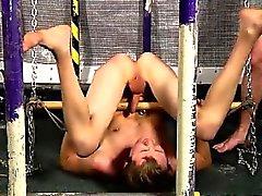 Baiser avec gays amortissement son pénis et se masturber au du boursier ô
