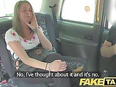 FakeTaxi - Без работы брюнетку становится наличные деньги