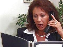 Vanessa is een echt kantoor mare