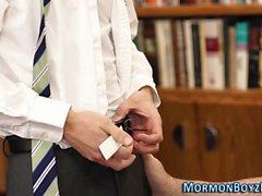 Homosexuell mormon cums att slita