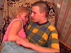 Mutter und Sohn haben Sex während Vater nicht zuhause war