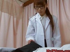 Super sensuais enfermeiras japonesas chupando
