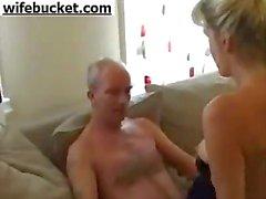 Blonde volwassen amateur vrouw cuckold liefde