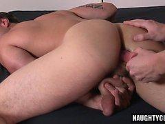 Iso mulkku homo suuseksiä cumshot