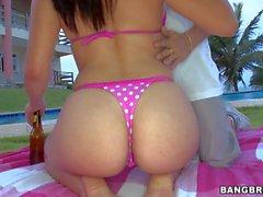 Brazilian hottie Emilly Sanchez in pink bikini shows her body parts