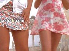 Duas estudantes russian nus ao ar livre