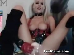 Harley quinn med en stor dildo