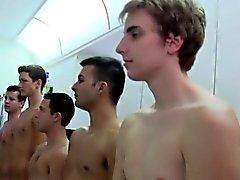 Högskolastudenter grumlighet i förödmjukande ritual