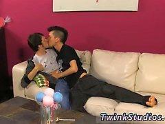 Homosexuell Sex Porno Twink Teenager Milch Jungs der Colby London hat eine Sperma -SH