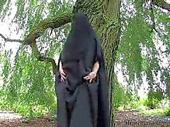 Silver seamed Burqa genom snahbrandy