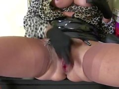 Latex Domina - heel play