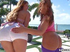 Reizvolles Big Butt Frauen Monique Fuentes und die Lexxxi Lockhart