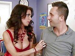 Kuumaa suuret tissit opettajan Jessican Jaymes otsatukka hänet assistentti - Naughty America