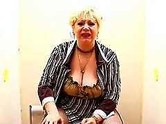 Blonde BBW-Granny takes BBC on Toilette