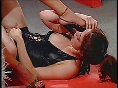 2 sexy Chicks mit Fußes Fetisch in action