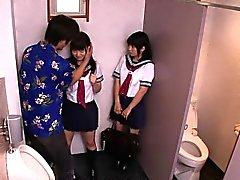 Virkapukuinen japani koulutyttöä vittu dude