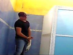relations sexuelles public à wc Cancun Mexique