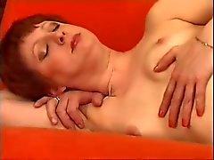 Capelli rossi matura un corpo perfetto Guida Posero