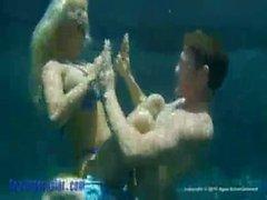 Холли Halston Подводные