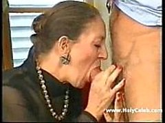 Franco-alemão Granny Anally Fisted