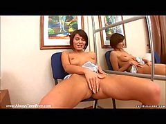 Chick dildoing her sweet holes