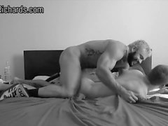 Rogan Richards baise rugueux Skippy Baxter